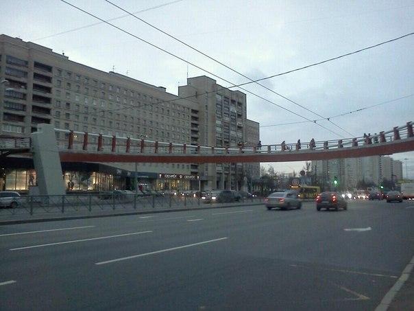 Мост через проспект Славы над дорогой